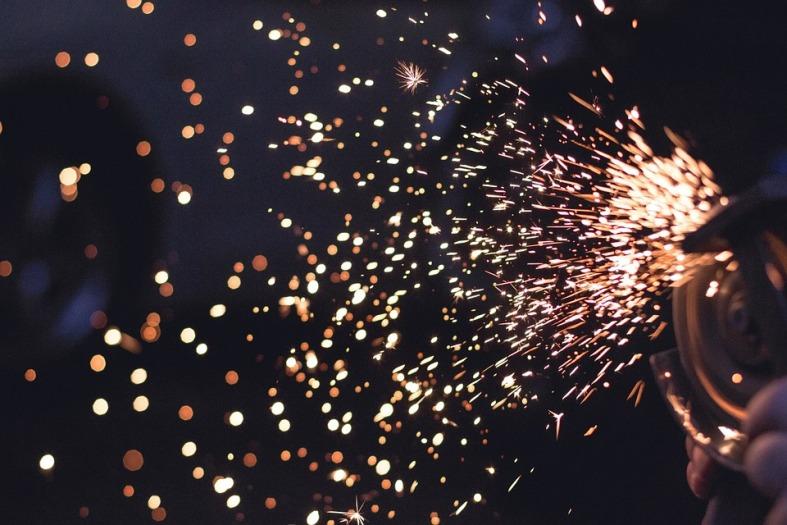 sparks-692122_960_720
